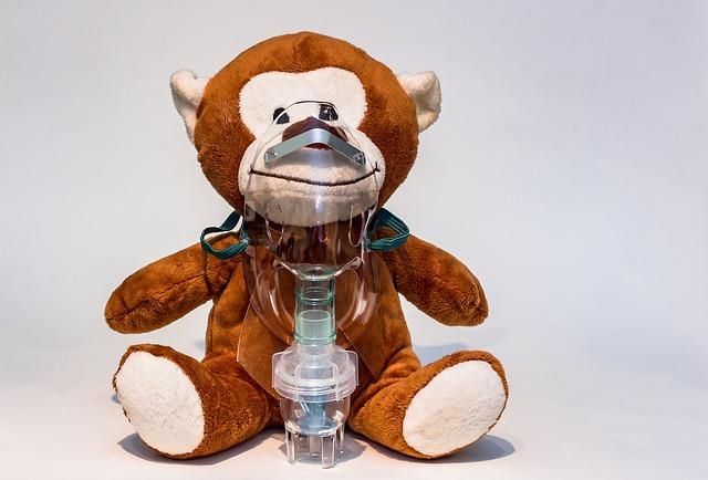 Cómo utilizar mascarillas e inhaladores para bebés